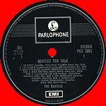 Вот мы и добрались до первого серебряного PARLOPHONE. Появился он в конце 1969 года. Отличительная особенность- логотип EMI только внизу. Новых альбомов не издавалось, переизданы альбомы 1963 - 1967 годов. Конверты flip back, но только сверху и снизу.
