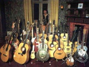 Коллекшн Джорджеевских гитар :)