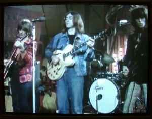 С новой группой... Сколько их ещё будет... Интересно, а название группы тоже выбрано в пику Полу?