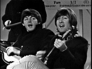 Пусть Я и не считаю себя ярой фанаткой легендарной The Beatles, но так скажу, что лучше, чем мною глубоко уважаемый мистер Леннон Come Together никто никогда не споет, my friends!!!! Его мощный, я бы сказала, со стальными нотками( т.е. я имею ввиду стил исполнения и силу его пронзительного голоса). Lennon FOREVER AND EVER!!!