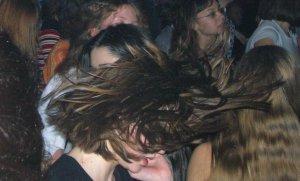Привычная для подобного мероприятия причёска битломанки (к сожалению, не помню, как зовут девушку).