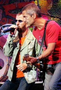 Ringo Starr performs with Billy Squier (right) at Wente Vineyards in Livermore on Tuesday, June 27th, 2006.