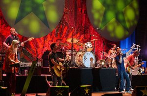 Ringo and friends wow Easton with rock history