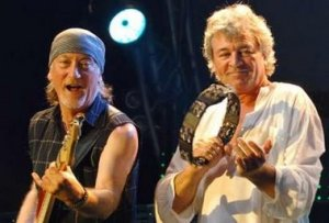 Singer Ian Gillian (R) and bassist Roger Glover of the English rock band Deep Purple perform in the Auditorium Stravinski during the closing night of the 40th Montreux Jazz festival in Montreux July 15, 2006.