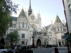 The Royal Courts of Justice. Здесь закончилась сказка под названием Битлз...