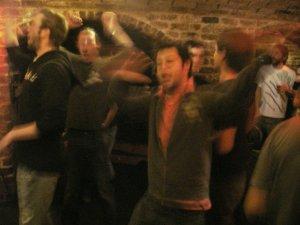 Больше всех радовалась группа ноозеландских битломанов, с большим воодушевлением помогавшая Blue Meanies исполнить Hey Jude (и много других замечательных песен).