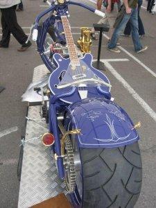 Миш, я тут вот думаю, может ну его этот велосипед... смотри, какая красота бывает!