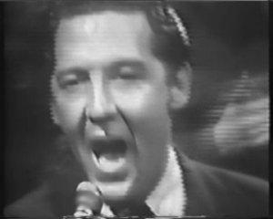 А вообще этот DVD очень хорош. Особенный кайф получаешь от его выступлений на британском ТВ в 1964-м. Вершина рок-н-ролла! Кто не достанет этот диск, можете посмотреть кое-что здесь: