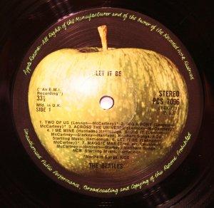Оригинальное яблоко из коробки, 1970 год. Как видно, разницы с предыдущей картинкой практически нет.