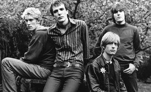 Во-вторых, любители Индии, ситаров, табл, рага-рока и вообще рока конца 60-х Kula Shaker объединились и записали новый, очень классный альбом Strangefolk.