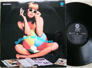 ...Версия Io senza lei входила также в сборник Sull onda del successo (CGD, 1969, It).