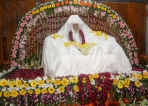 The body of Maharishi Mahesh Yogi is seen at his ashram, Saturday, Feb. 9, 2008, Arail, about 30 kilometers, or 19 miles from Allahabad, India. Yogi, the Hindu holy man, soared to worldwide fame as a meditation guru to the Beatles. The body will be cremated at Sangam, the confluence of three rivers on Feb. 11.