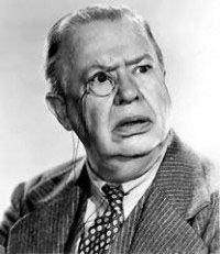 В одноименной фильме 1944 года, Knickerbocker Holiday,  September Song исполнил Charles Coburn  (на фото)