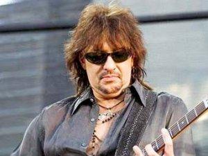 Гитариста Bon Jovi обвинили в нетрезвом вождении