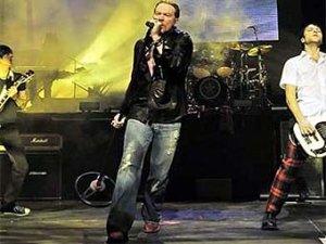 Geffen Records получил от Guns N'Roses Китайскую Демократию