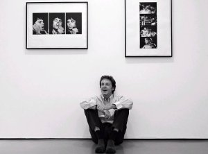 Sir Paul McCartney shows off photographs taken by his late wife, Linda
