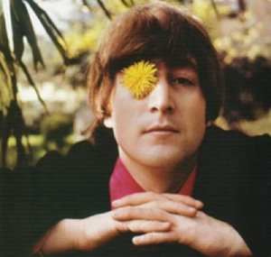 Джон: Я хиппи хиппи хиппи, а вовсе не медведь! Ах как приятно хиппи цветок в глазу вертеть!