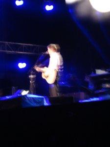Во время самого концерта удалось сделать только одно фото.