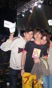 Уставшие фейсы после Indpendence concert McCartney Киев 14.06.2008 Я в Кепке Nike со своим средним братом и его гёл-френдом.