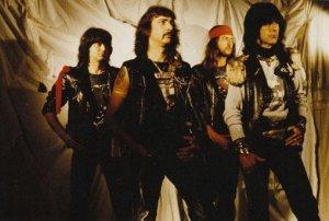 Немногие знают, что В.Зинчук в качестве приглашённого гитариста принимал участие в записи третьего LP под оригинальным названием Rock Rock Rock (1993) малоизвестной итальянской металлической группы Fil di Ferro: