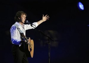 Сайт  Examiner.com  сообщает, что Пол Маккартни, возможно, даст концерт в бостонском Fenway Park в начале августа этого года. Хотя ранее о возможном концерте экс-битла написала газета Boston Herald, в администрации мэра Бостона эту информацию пока не подтвердили.