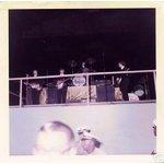 30 августа 1964 г. Битлз выступали в Convention Hall, Atlantic City, New Jersey. Пытался найти фотоснимки, сделанные на этом концерте, нашел только этот, да и то, плохого качества. На кадрах кинохроники тоже сохранилось всего несколько секунд их выступления на концерте, где в кадр попал Джон. Помогите найти фотоматериалы этого выступления.