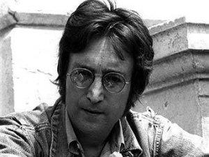 Звезда Джона Леннона таинственным образом исчезла с Аллеи славы Голливуда в Лос-Анджелесе, сообщает 22 декабря британская  The Guardian .