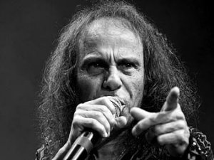 Умер легенда хард-рока Ронни Джеймс Дио