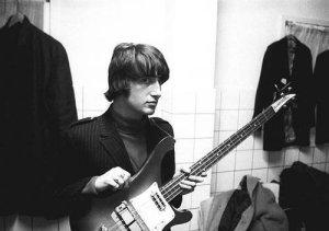 23-го июня в Дании на 67-м году жизни скончался Пит Куэйф (Pete Quaife), один из основателей The Kinks.