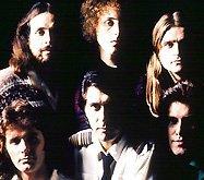 Легендарные Roxy Music отпразднуют 40-летие своей карьеры очередным воссоединительным туром, который прокатится по Великобритании в 2011-м году. В реюнионе, по традиции, не будет принимать участие «отказник» Брайан Ино (Brian Eno), так что Филу Манзанере, Энди МакКею, Полу Томпсону и Брайану Ферри (Bryan Ferry) придется обходиться своими силами.