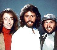 Братья Робин и Барри Гиббы ведут переговоры со Стивеном Спилбергом (Steven Spielberg) о съемках фильма, посвященного истории Bee Gees. Оговаривается, что знаменитый режиссер получит право использовать в байопике любые приглянувшиеся ему песни легендарной команды.