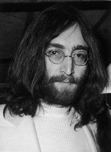 Очередная версия убийства лидера The Beatles Джона Леннона представлена в Великобритании.