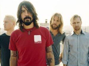 Группа Foo Fighters выпустит альбом каверов Medium Rare, сообщает NME. Выход пластинки будет приурочен к Дню музыкального магазина.