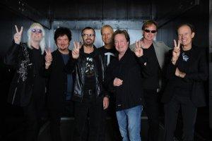 1 июня 2011 15:00 BST (18:00 по московскому времени) Ринго Старр и Starr Band приглашают поклонников по всему миру присоединиться к ним онлайн. После исполнения нескольких песен, Ринго Старр представит участников своего звездного коллектива.