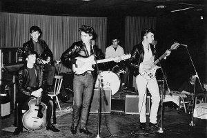 Тед Тейлор из группы Dominoes  поделился воспоминаниями о Рождестве 1962 года . Тот праздничный день музыкант провел в Гамбурге вместе с друзьями, коллегами и битлами. По словам Теда, вопреки общественному мнению, Битлз не были неотъемлемой частью того, что считалось семьей Star-Club. Это не критика, просто факт. Их редко видели в The Star-Club, они там появлялись, выступали и уходили, - говорит он.