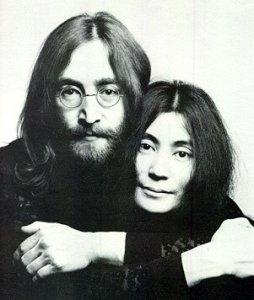 http://video.yandex.ru/users/beatleman1000/view/1 (Последнее интервью Джона Леннона 8 декабря 1980 года). Международного: так как английский язык.