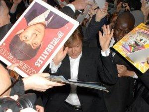 Пол Маккартни и Нэнси Шевелл посетили VIP-показ концертного фильма  Rockshow  в Лондоне. Мероприятие было организовано Британской академией кинематографических и телевизионных искусств (BAFTA), сообщает  The Daily Star .