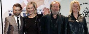 ABBA могут снова собраться вместе, чтобы отпраздновать 40-летие хита Waterloo, с которым группа выиграла Евровидение 1974 года. Новую волну слухов и повод для спекуляций запустила Агнета Фельтскуг (Agnetha Faltskog) в интервью немецкому изданию Welt am Sonntag: Конечно, мы думаем об этом. Кажется, что-то должно быть запланированно по такому случаю. Но сейчас не могу сказать, что это будет.Фельтскуг, в мае выпустившая очередной сольный альбом (A), признается, что есть объективные причины, которые могут ABBA помешать выйти на сцену - возраст. Не могу представить, что мы будем выступать на костылях, - шутит 63-летняя Агнета.