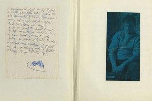 Дневник лидера The Doors Джима Моррисона продадут на аукционе в Сан-Франциско. Как сообщает The Times, организаторы торгов надеются получить за него до 300 тысяч долларов.