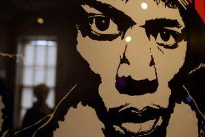 Съемную квартиру музыканта Джими Хендрикса в Лондоне превратят в постоянно действующий музей, пишет The Guardian. Британский фонд Национальной лотереи уже объявил, что выделит на оборудование музея 1,2 миллиона фунтов стерлингов.