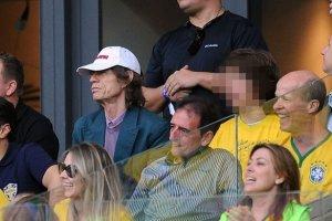 СМИ Бразилии обвини в своем разгроме командой Германии... фронтмена группы The Rolling Stones Мика Джаггера. Напомним, что матч завершился со счетом 7:1 в пользу немцев.