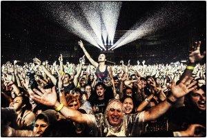 Второй концерт Пола Маккартни в Сан-Паулу, состоявшийся 26 ноября на стадионе Allianz Parque, назван лучшим шоу в Бразилии за 2014 год. Об этом сообщает  официальный сайт  битла со ссылкой на результаты читательского опроса  Globo .