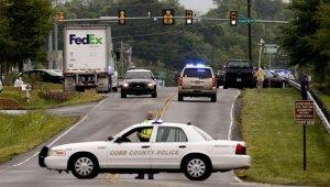 В автокатастрофе в американском штате Джорджия погиб бывший ударник известной рок-группы Lynyrd Skynyrd Роберт Бернс-младший. По неустановленной пока причине 64-летний музыкант на потерявшем управление автомобиле вылетел с дороги и врезался в дерево. Он не был пристегнут ремнем безопасности.