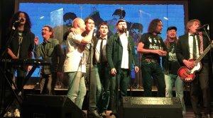 Фестивалей в России много, но этого ждешь особенно трепетно — это же Beatles-фест! Ежегодный фестиваль битломании под руководством портала Битлз.ру на сей раз переместился из традиционного Б2, приостановившего свою работу, в клуб «Театръ». Здесь 14 мая 2015 года и выступили сразу несколько групп — совершенно разных и по звучанию и визуально, которых объединили песни вечных The Beatles. Невольно следуя нынешнему отечественному тренду импортозамещения, в 2015 выступили исключительно «все наши». Столичные музыканты и «парни из глубинки», лучшие из лучших — понятно, что кавер-групп по тематике ливерпульской четверки не мало, однако Beatles.ru предоставляет площадку для по-настоящему интересных, что называется true-beatles-cover-bands. Потому особенно интересно наблюдать, как каждая группа интерпретирует битловское творчество — и в саунде и визуально, какой берет репертуар. Причем, это не обязательно «двойники» и сыгранное один в один. И вот вам иллюстрация в текстовом варианте, если отчего-то пропустили этот концерт.