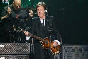 Пол Маккартни объявил даты новых выступлений в Северной Америке, сообщает   Ultimate Classic Rock .  В октябре музыкант даст пять концертов в США и Канаде.