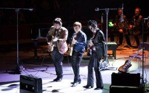 В лондонском Альберт-холле состоялась мировая премьера  мюзикла  The Sessions о студийной работе Битлз. Первый показ шоу прошел 1 апреля 2016 года.
