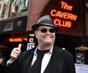 Имя Мики Доленца из группы The Monkees появилось на стене славы  Cavern Club,  сообщает   Liverpool Echo .  Музыкант приехал в Ливерпуль на фестиваль  International Beatleweek  и присутствовал на церемонии.