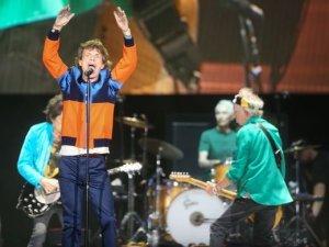 Группа The Rolling Stones сыграла битловский хит Come Together на фестивале Desert Trip. Масштабный фестиваль проходит в Индио (Калифорния).