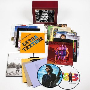 Виниловая коллекция Джорджа Харрисона выйдет 24 февраля, сообщает  Beatles News Insider . Релиз приурочен к дню рождения музыканта (25 февраля битлу исполнилось бы 74 года).  В бокс-сет George Harrison - The Vinyl Collection вошли все сольные студийные альбомы. Пластинки будут доступны и по отдельности. Для нового ремастеринга использовались оригинальные аналоговые мастер-пленки.  Релиз включает следующие диски:  Wonderwall Music (1968) Electronic Sound (1969) All Things Must Pass (1970) Living In The Material World (1973) Dark Horse (1974) Extra Texture (1975) Thirty Three & 1/3 (1976) George Harrison (1979) Somewhere in England (1981) Gone Troppo (1982) Cloud Nine (1987) Live In Japan (1992) Brainwashed (2002)  Кроме того, в бокс-сет включены 12-дюймовые синглы When We Was Fab и Got My Mind Set On You. Также можно будет приобрести тематический проигрыватель George Harrison Essential III. Он выйдет в количестве 2500 штук.