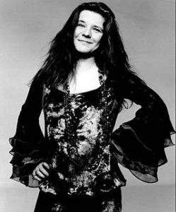 19 января исполнилось бы 74 года  Дже́нис Лин Джо́плин -  американской  рок -певице, выступавшей сначала в составе  Big Brother and the Holding Company , затем в Kozmic Blues Band и  Full Tilt Boogie Band . Джоплин, выпустившая лишь четыре студийных альбома (один из которых — посмертный релиз), считается лучшей белой исполнительницей  блюза  и одной из величайших вокалисток в истории  рок-музыки .